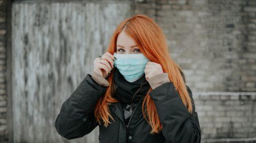 Masque barrière : Comment le mettre et le laver correctement ?