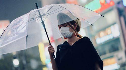 Laver son masque chirurgical : UFC-Que Choisir dit oui, la DGS dit non