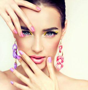 bijoux et  maquillage